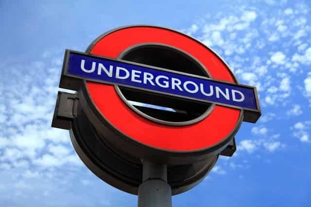 simbolo metro londres